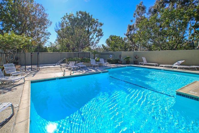 La Jolla Eastbluff Community Pool