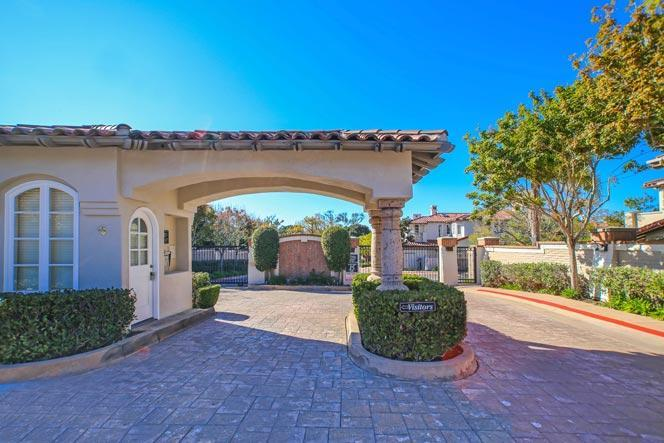La Jolla Blackhorse Gated Community